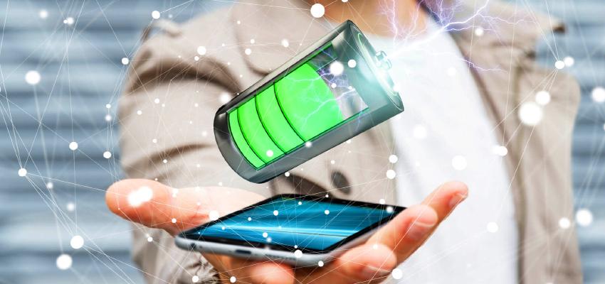 新しいデジタルサイネージの活用方法?モバイルバッテリーシェアリング!