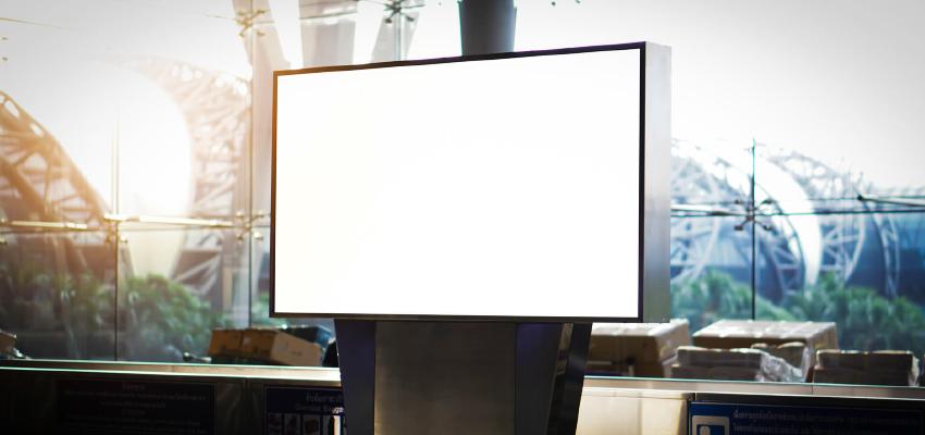 デジタルサイネージは縦型と横型、どちらを選ぶべき?サイズを選ぶ際のポイントもご紹介